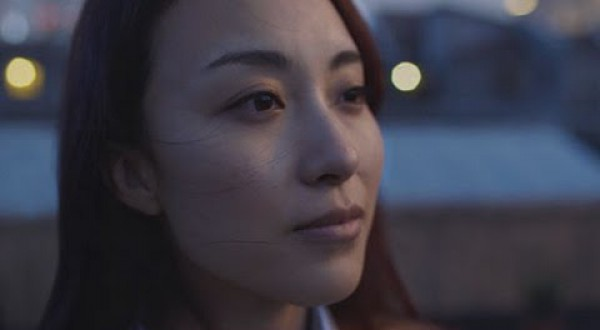 """A Heart-Wrenching Commercial Empowers The Single """"Leftover Women"""" Of China"""